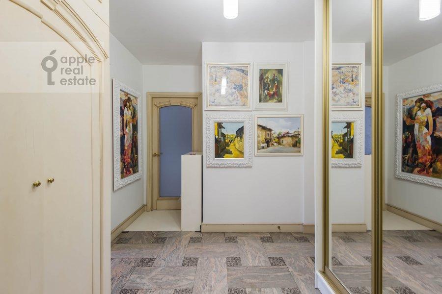 Коридор в 2-комнатной квартире по адресу Грузинская Большая ул. 37с2