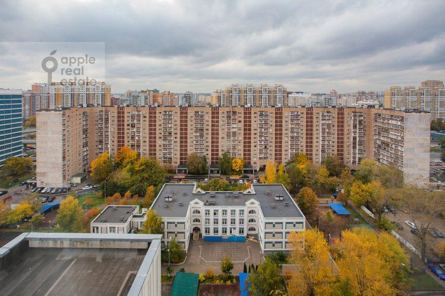 Вид из окна в 4-комнатной квартире по адресу Рублевское шоссе 18к3