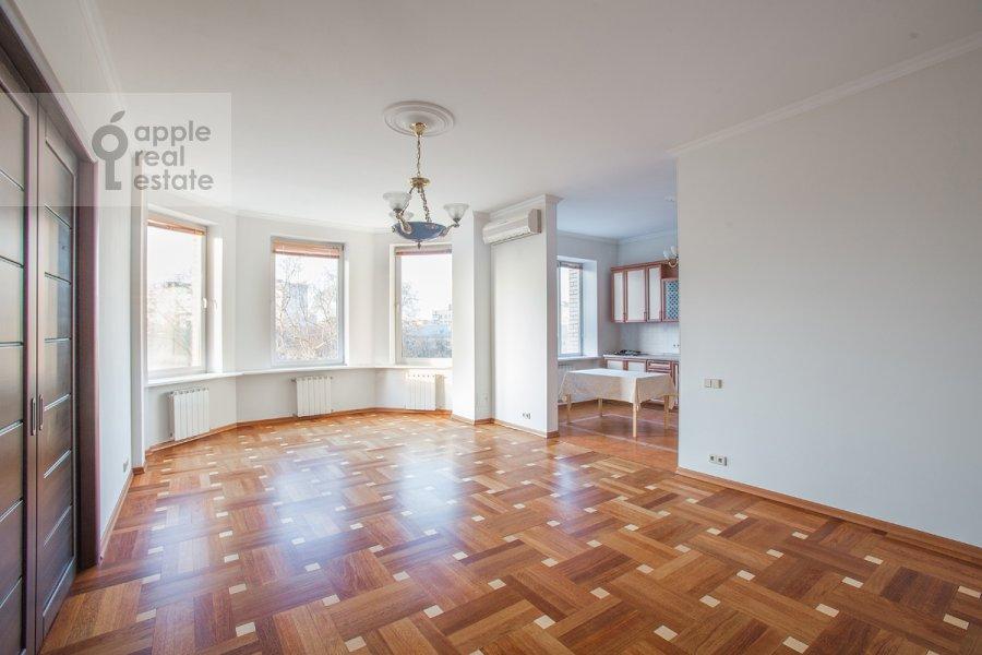 Living room of the 4-room apartment at Bol'shoy Koptevskiy proezd 10k2