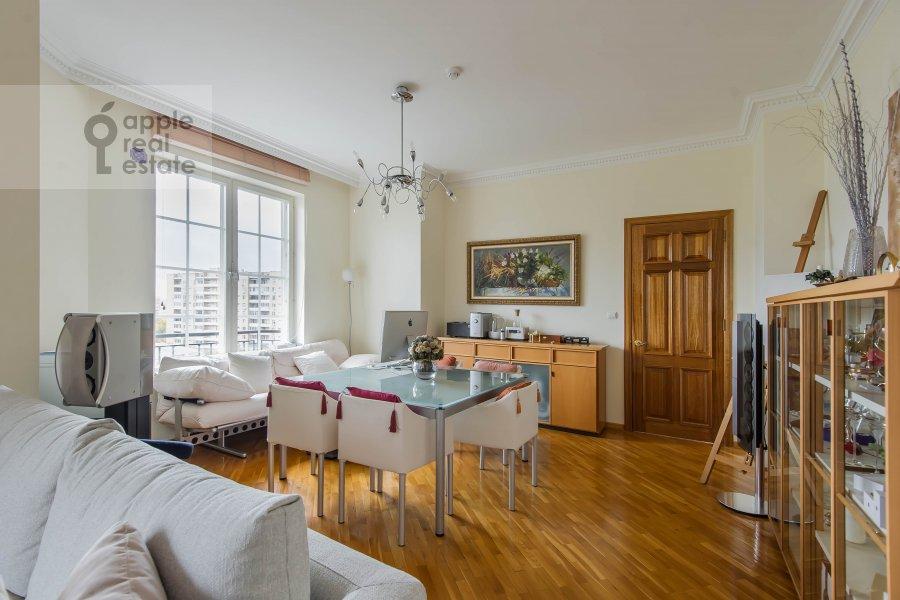 Гостиная в 3-комнатной квартире по адресу Большая Грузинская ул. 19