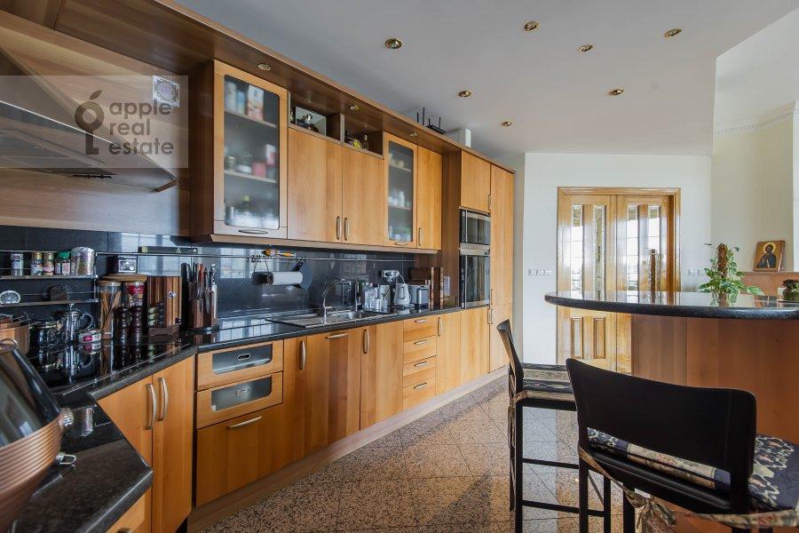 Кухня в 3-комнатной квартире по адресу Большая Грузинская ул. 19