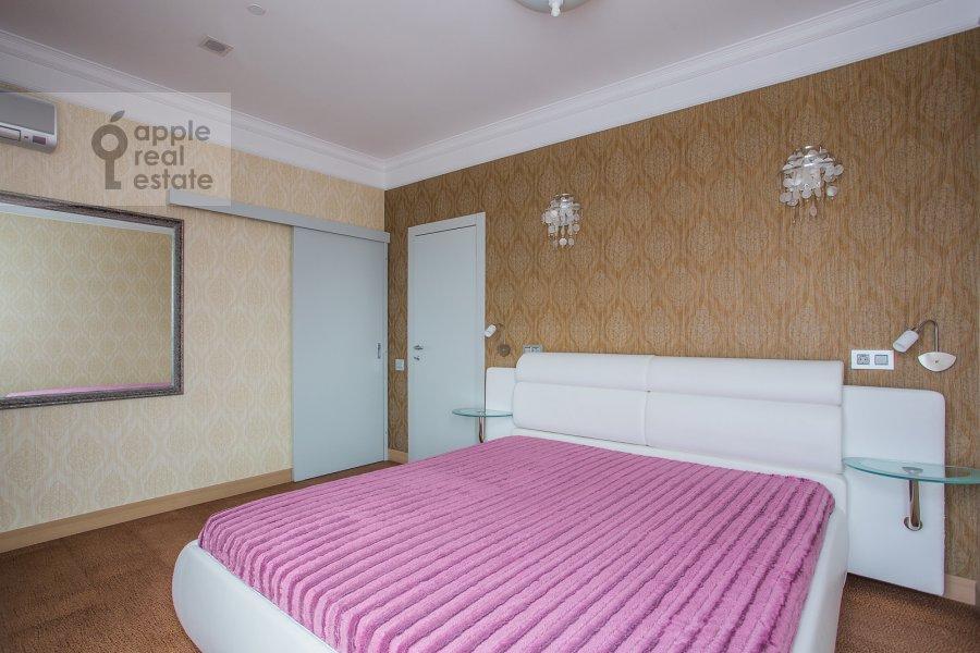 Спальня в 5-комнатной квартире по адресу Мосфильмовская ул. 70к1