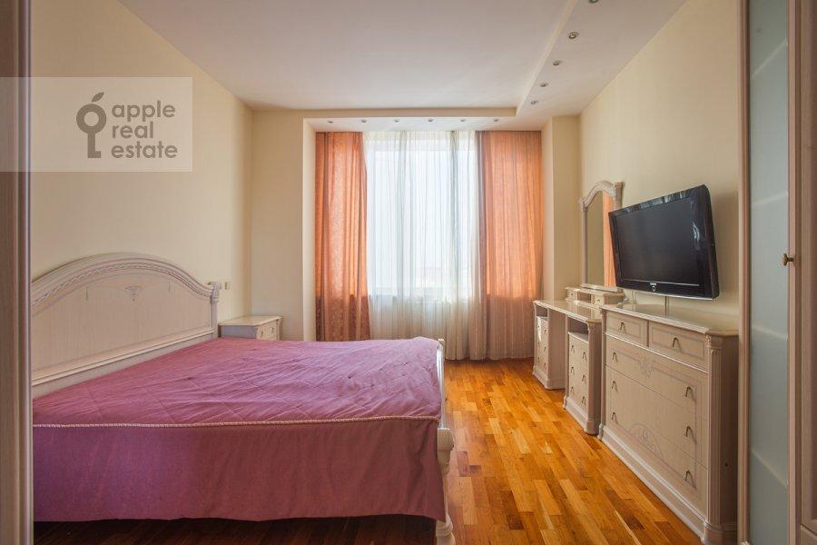 Спальня в 4-комнатной квартире по адресу Шаболовка ул. 23к1