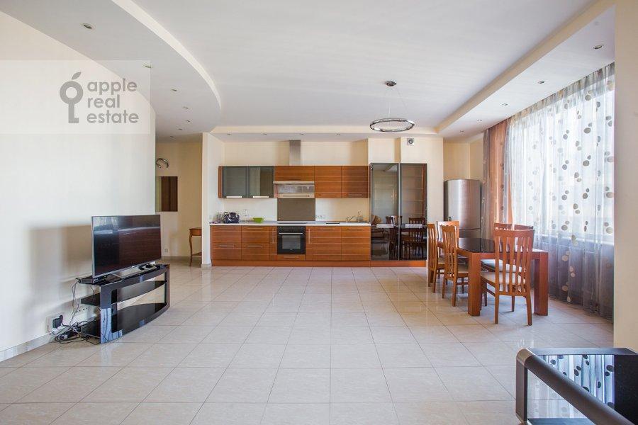 Гостиная в 4-комнатной квартире по адресу Шаболовка ул. 23к1