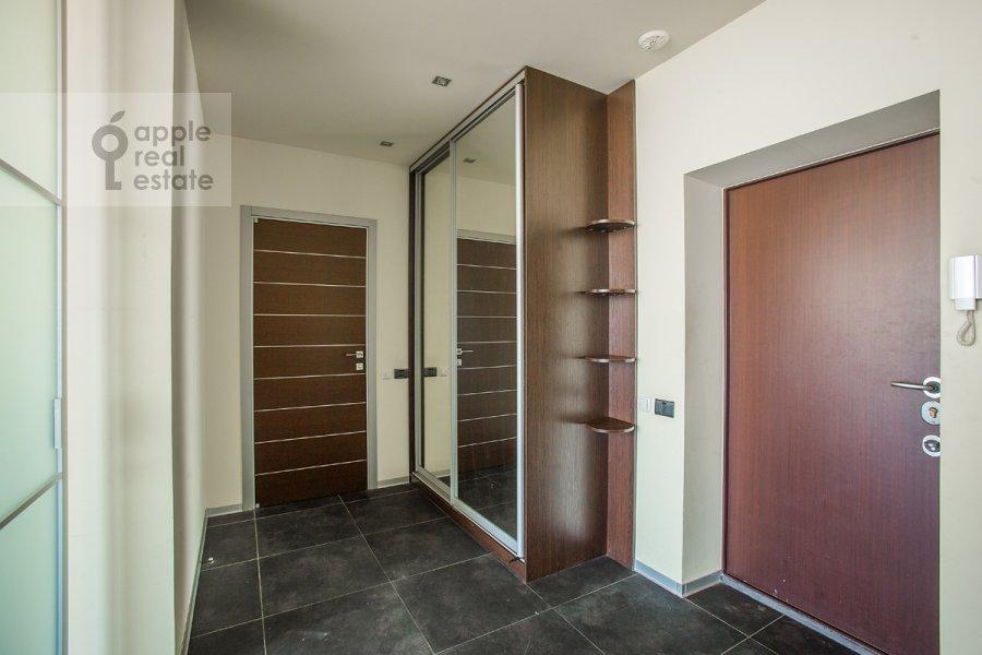Corridor of the 2-room apartment at Shmitovskiy pr. 16s2