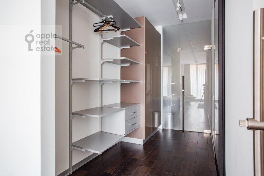Walk-in closet / Laundry room / Storage room of the 3-room apartment at 1-y Smolenskiy pereulok 21