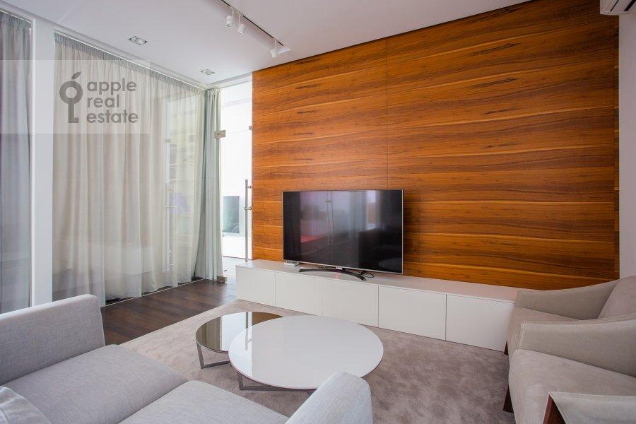 Living room of the 3-room apartment at 1-y Smolenskiy pereulok 21