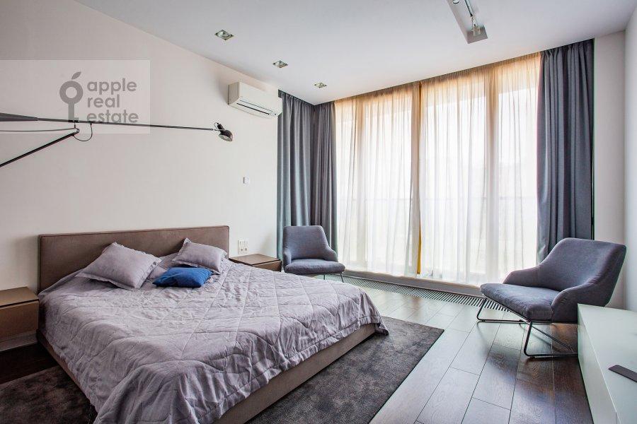 Bedroom of the 3-room apartment at 1-y Smolenskiy pereulok 21