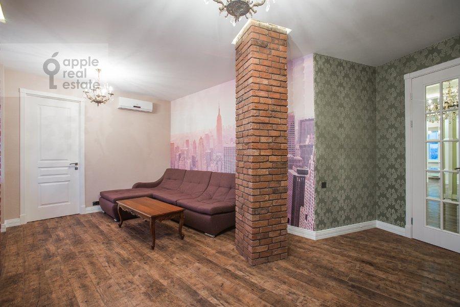 Living room of the 5-room apartment at Tsvetnoy bul'var 13s2