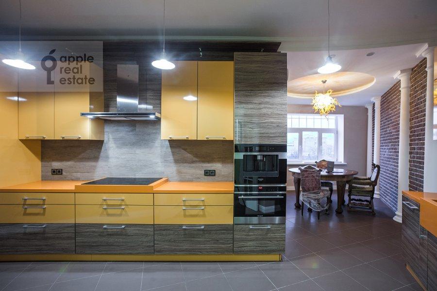 Kitchen of the 5-room apartment at Tsvetnoy bul'var 13s2