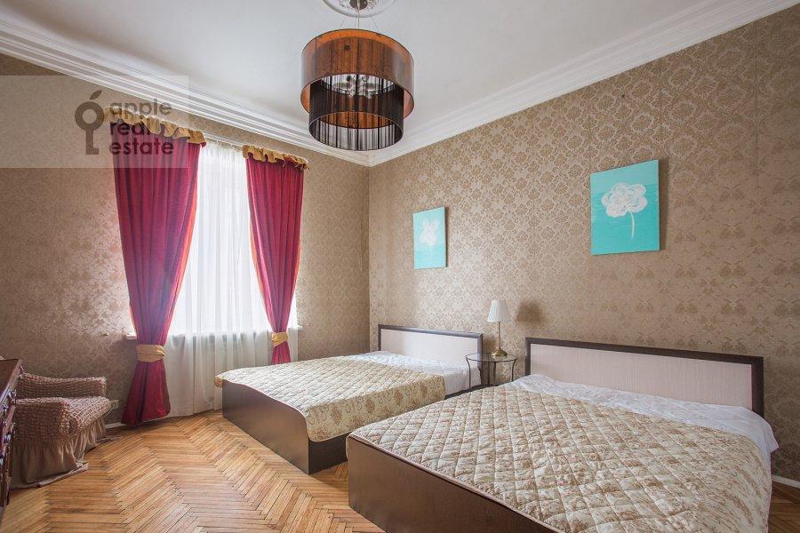 Bedroom of the 3-room apartment at Sadovaya-Kudrinskaya ul. 8/12