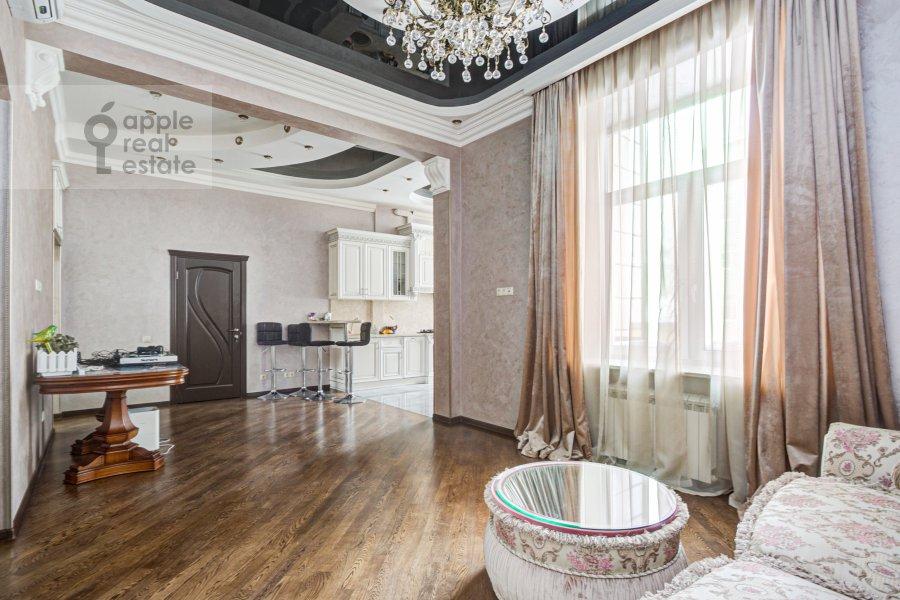 Living room of the 4-room apartment at Sadovaya-Chernogryazskaya ul. 3Bs1