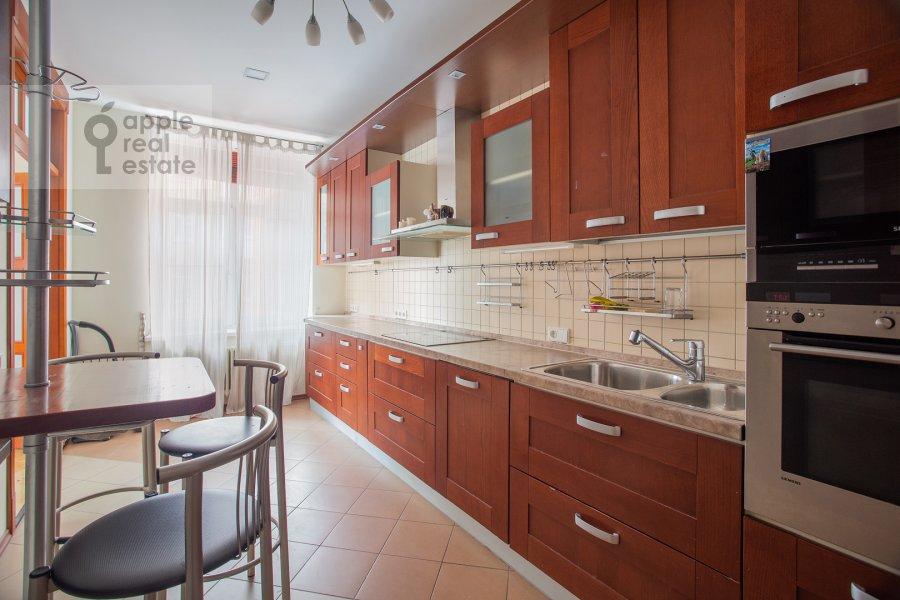 Кухня в 4-комнатной квартире по адресу Климашкина ул. 19