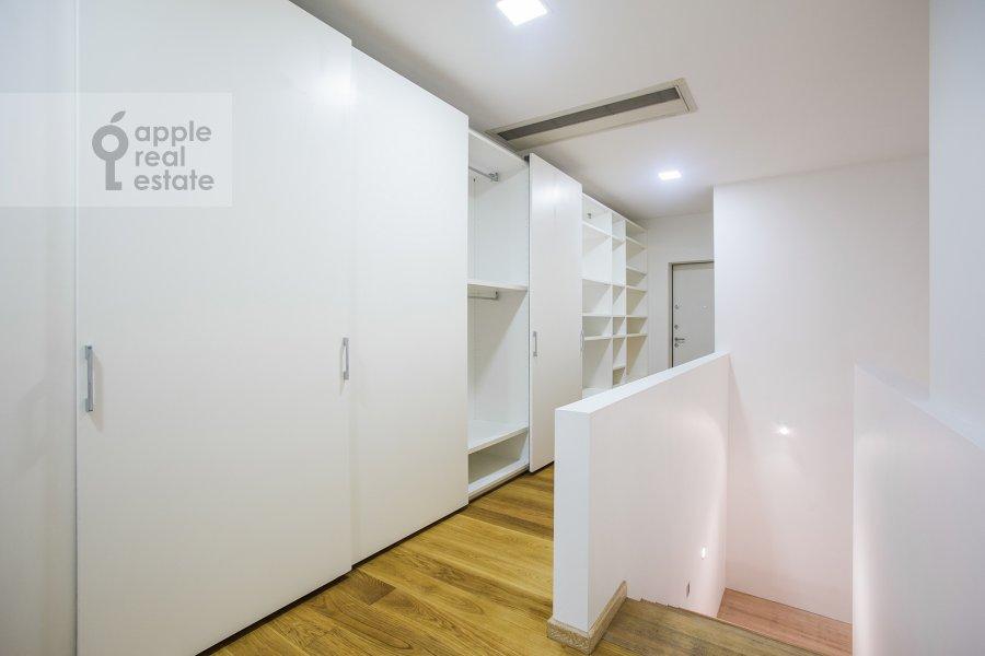 Corridor of the 4-room apartment at Leningradskiy prospekt 76k1
