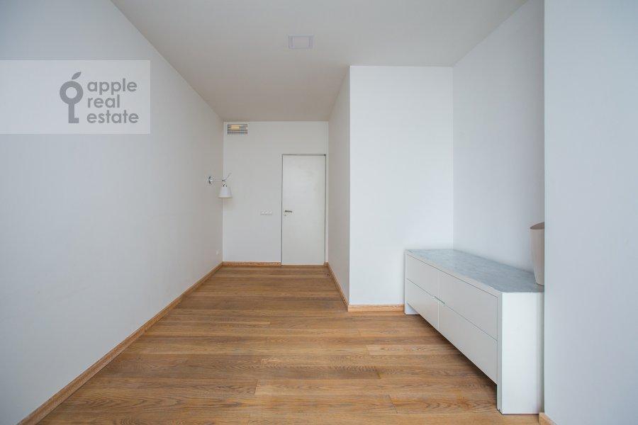 Children's room / Cabinet of the 4-room apartment at Leningradskiy prospekt 76k1