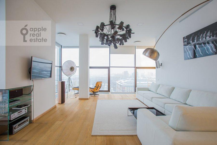 Living room of the 4-room apartment at Leningradskiy prospekt 76k1