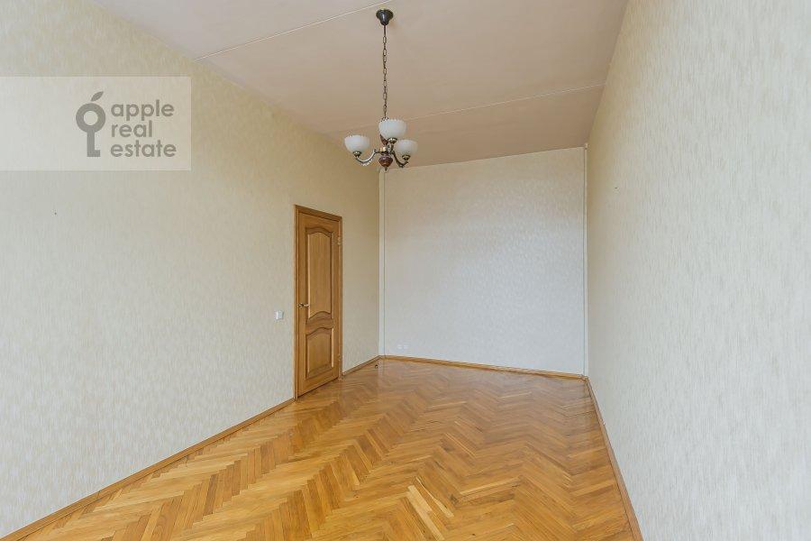 Bedroom of the 3-room apartment at Frunzenskaya nab. 38/1