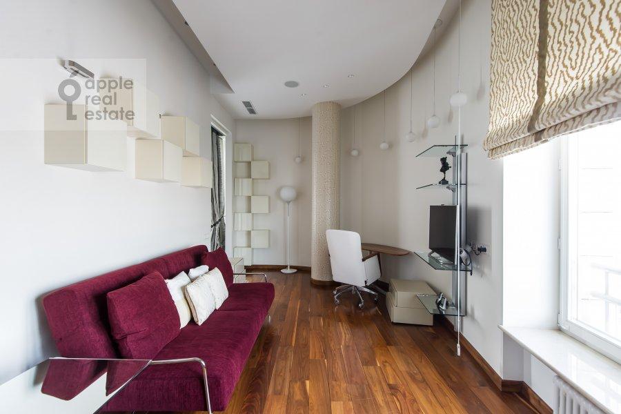 Детская комната / Кабинет в 4-комнатной квартире по адресу Весковский туп. 3