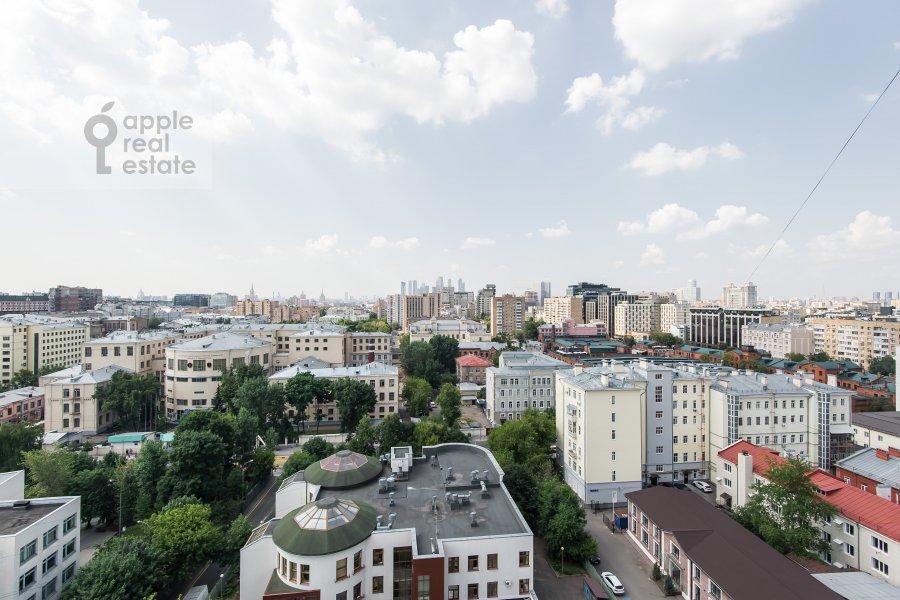 Вид из окна в 4-комнатной квартире по адресу Весковский туп. 3