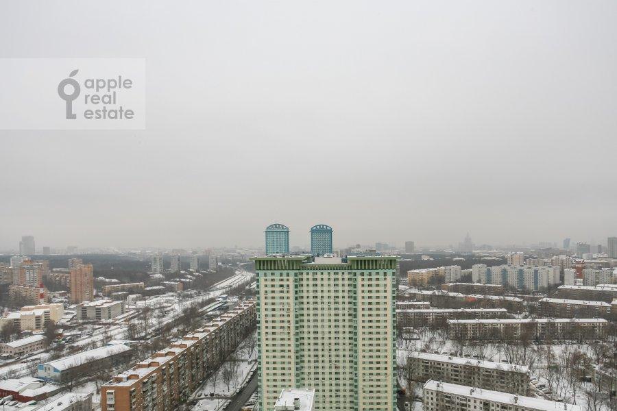 Вид из окна в 3-комнатной квартире по адресу Авиационная ул. 77к2