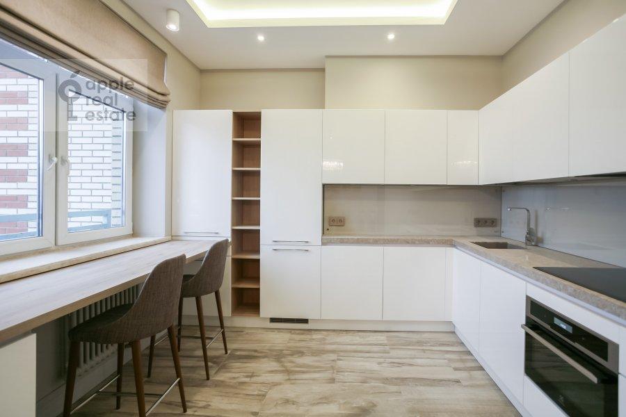 Кухня в 3-комнатной квартире по адресу Авиационная ул. 77к2