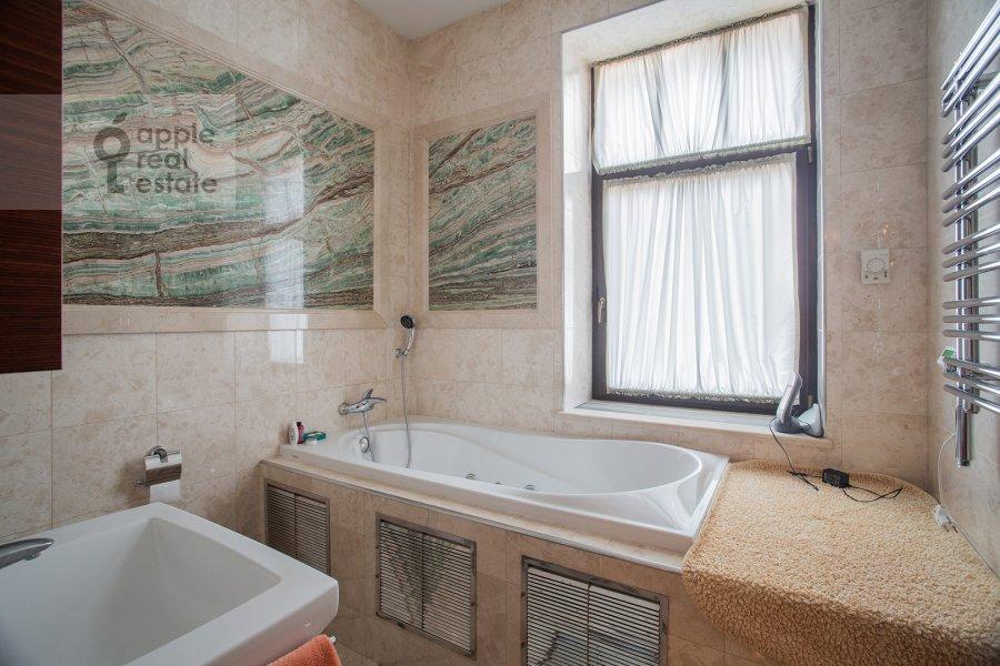 Санузел в 4-комнатной квартире по адресу Палашевский Большой пер. 1с2