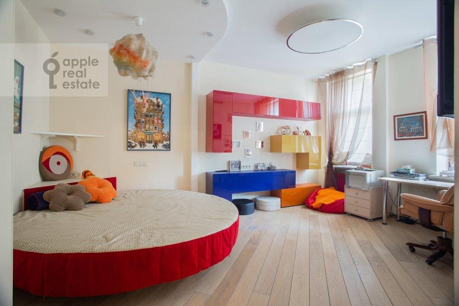 Bedroom of the 4-room apartment at Palashevskiy Bol'shoy per. 1s2