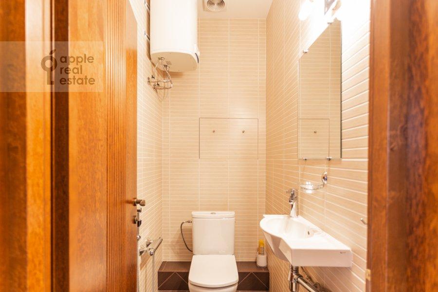 Санузел в 2-комнатной квартире по адресу Протопоповский пер. 17с2