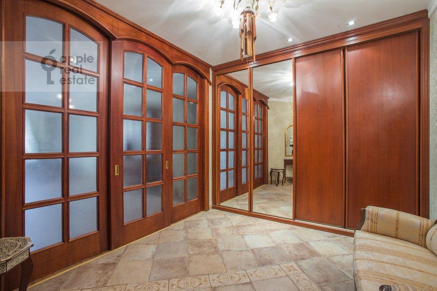 Corridor of the 3-room apartment at Sechenovskiy per. 2