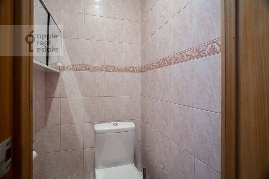 Bathroom of the 3-room apartment at Makarenko 1/19