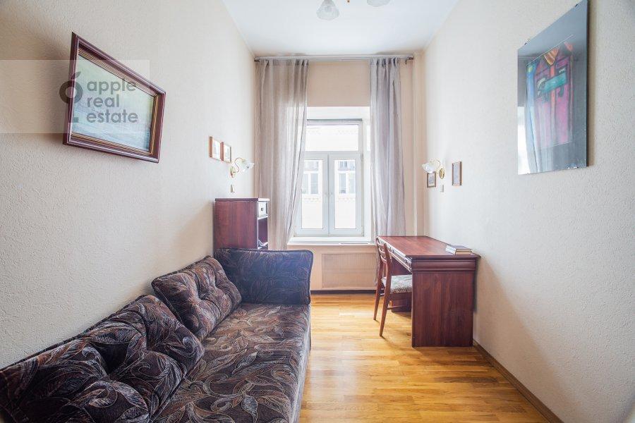 Children's room / Cabinet of the 3-room apartment at Makarenko 1/19