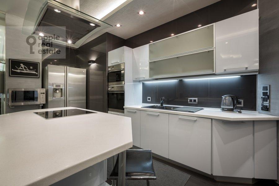 Кухня в 4-комнатной квартире по адресу Ленинский пр-т. 98к1