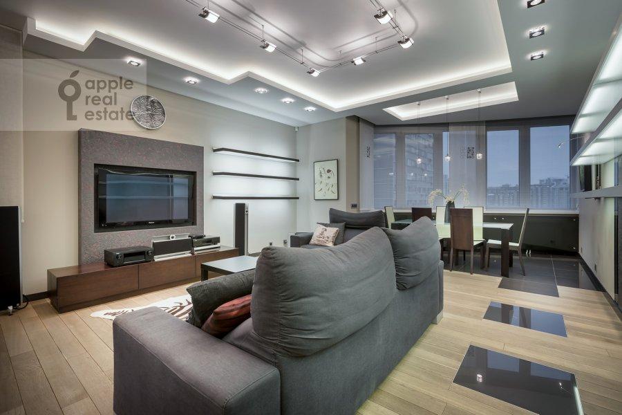 Гостиная в 4-комнатной квартире по адресу Ленинский пр-т. 98к1