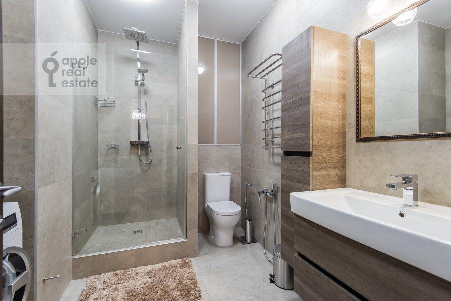 Bathroom of the 2-room apartment at Bol'shaya Sadovaya ul. 5k1