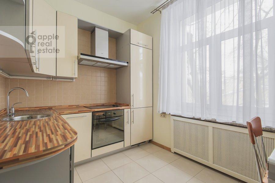 Кухня в 3-комнатной квартире по адресу Леонтьевский пер. 6с2