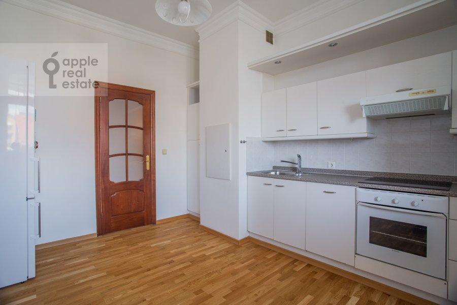 Кухня в 3-комнатной квартире по адресу Тверской бульвар 16с5