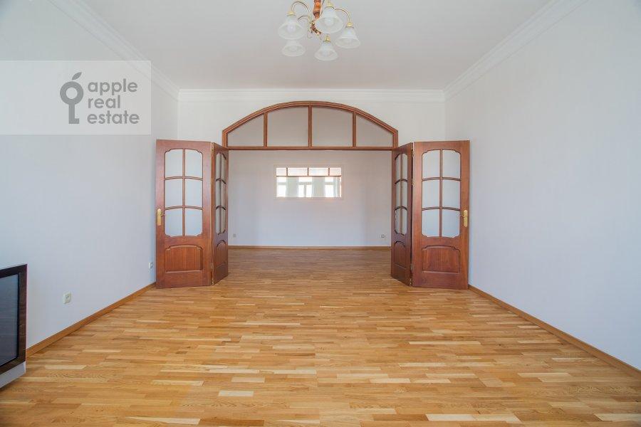 Гостиная в 3-комнатной квартире по адресу Тверской бульвар 16с5
