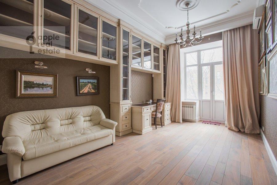 Детская комната / Кабинет в 5-комнатной квартире по адресу Огородная Слобода пер. 14