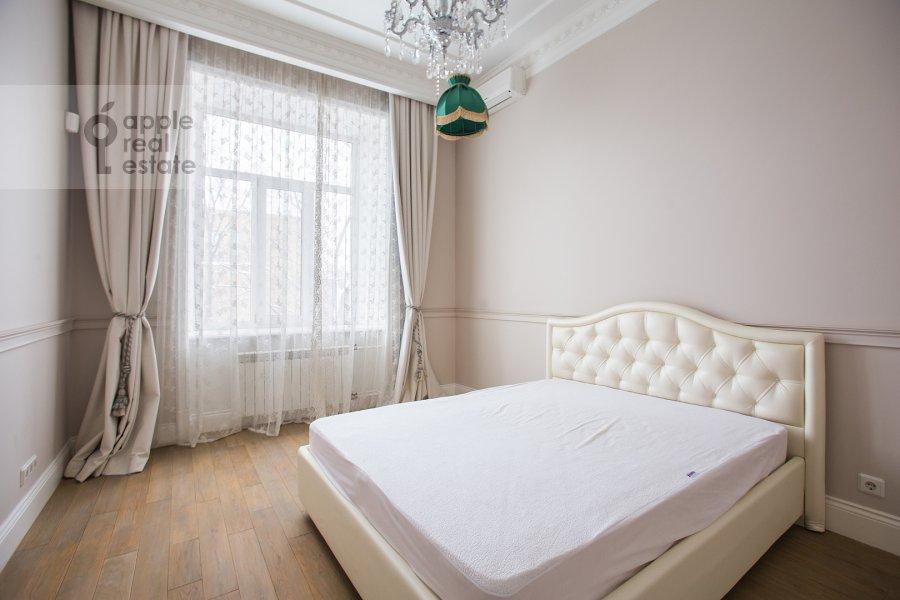 Спальня в 5-комнатной квартире по адресу Огородная Слобода пер. 14