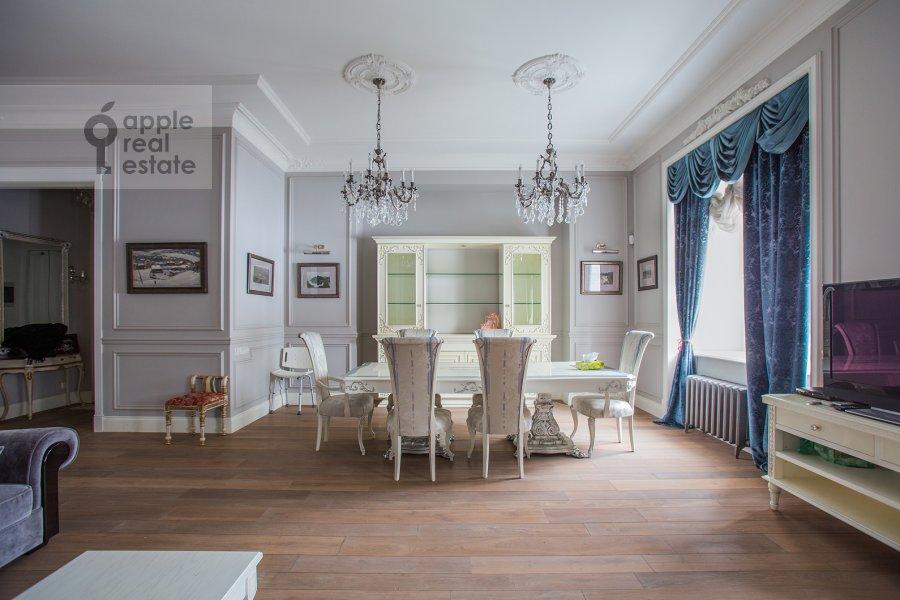 Гостиная в 5-комнатной квартире по адресу Огородная Слобода пер. 14