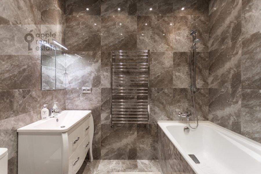 Bathroom of the 3-room apartment at Beregovoy pr. 5k2