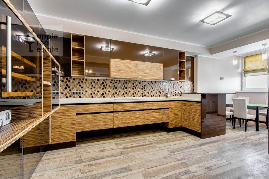 Кухня в 6-комнатной квартире по адресу Донелайтиса проезд 31