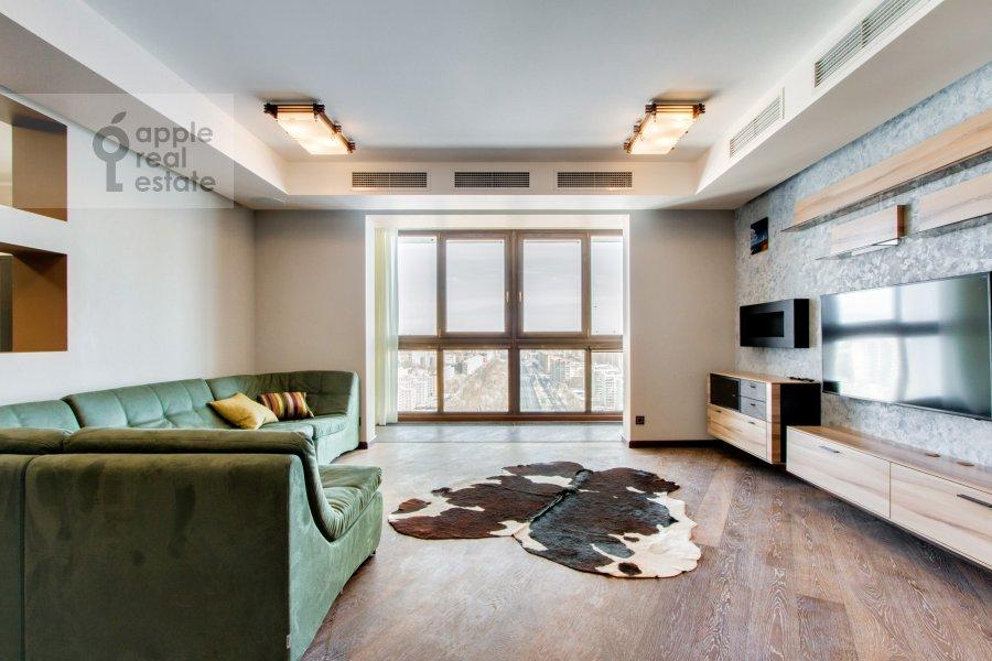 Гостиная в 6-комнатной квартире по адресу Донелайтиса проезд 31