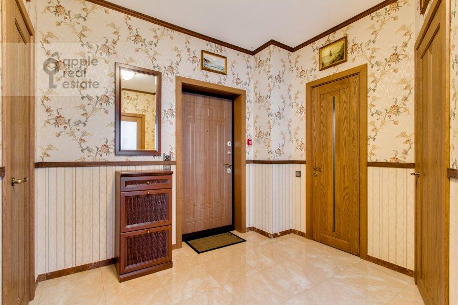 Коридор в 6-комнатной квартире по адресу Донелайтиса проезд 31