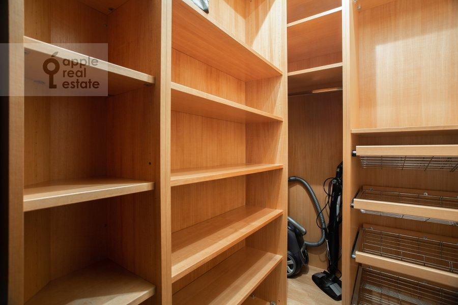 Walk-in closet / Laundry room / Storage room of the 4-room apartment at Zvenigorodskaya ulitsa 7