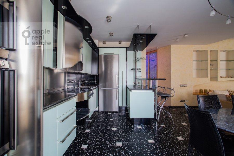 Kitchen of the 4-room apartment at Zvenigorodskaya ul. 7