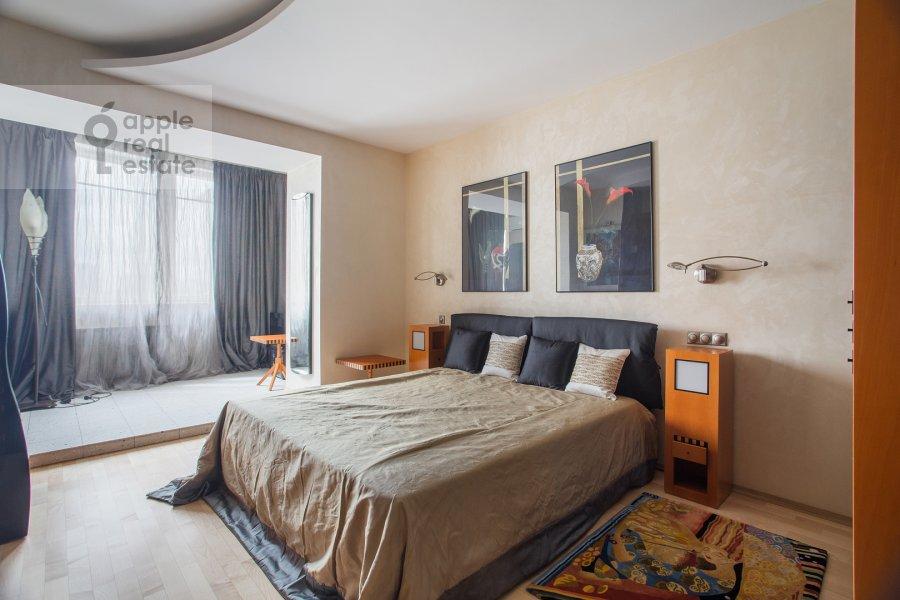 Bedroom of the 4-room apartment at Zvenigorodskaya ulitsa 7