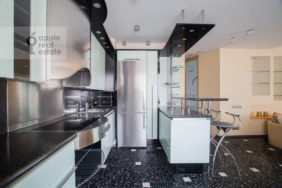 Kitchen of the 4-room apartment at Zvenigorodskaya ulitsa 7