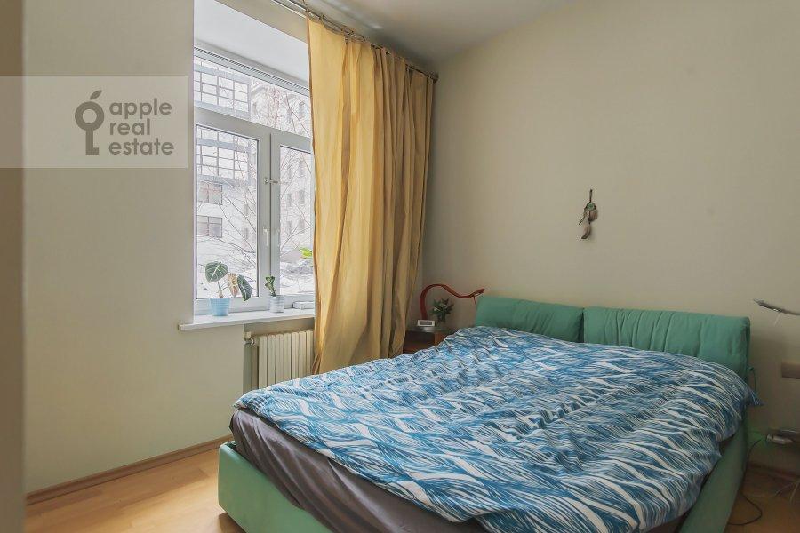 Bedroom of the 4-room apartment at Volkonskiy 2-y per. 12