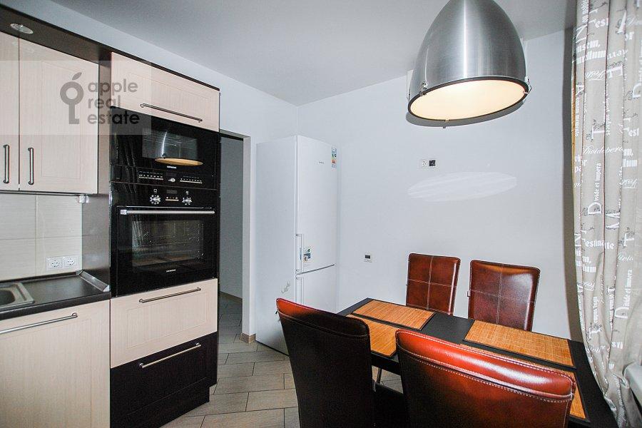 Кухня в 3-комнатной квартире по адресу Троилинский переулок 4/7